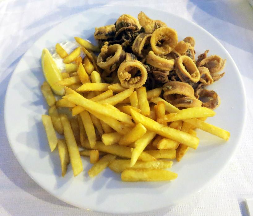 Lignje - Restoran Santo - Bol - Brač, foto: Josip Novosel, Flash.hr
