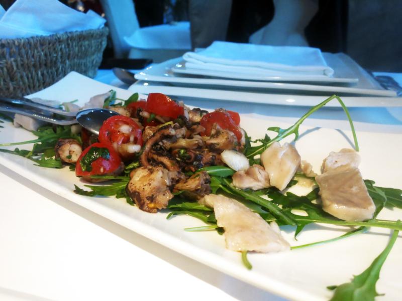 Konoba Primošten: Salata od hobotnice i carpaccio od zubaca i šanpijera Foto: Josip Novosel, Flash.hr