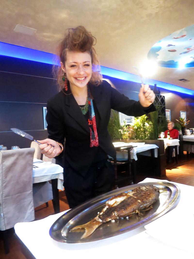 Dajana se sprema za filetiranje Zubaca:) Foto: Josip Novosel, Flash.hr