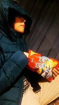 Gdje je nestala ona prekrasna cura koja je bila samnom na gala večeri? Tko je ova izbjeglica iz Sirije sa vrećicom čipsa? Foto: Josip Novosel, Flash.hr