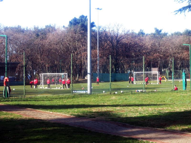 Pripreme nogometaša za WINTER CUP na naogometnom terenu ispred hotela SOL GARDEN Foto: Josip Novosel, Flash.hr