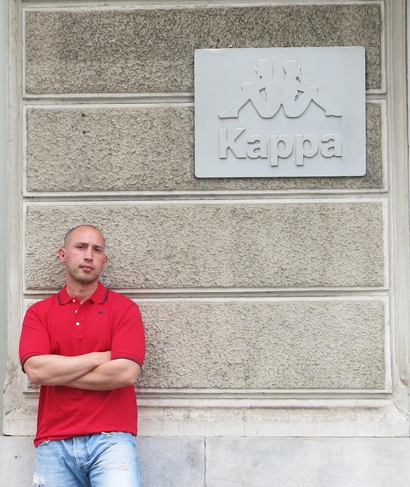 Ako SDP opet dođe na vlast, treba biti spreman. Jedna nova crvena Kappa košulja za mene u ormaru:) Foto: Irena Jakičić, Flash.hr