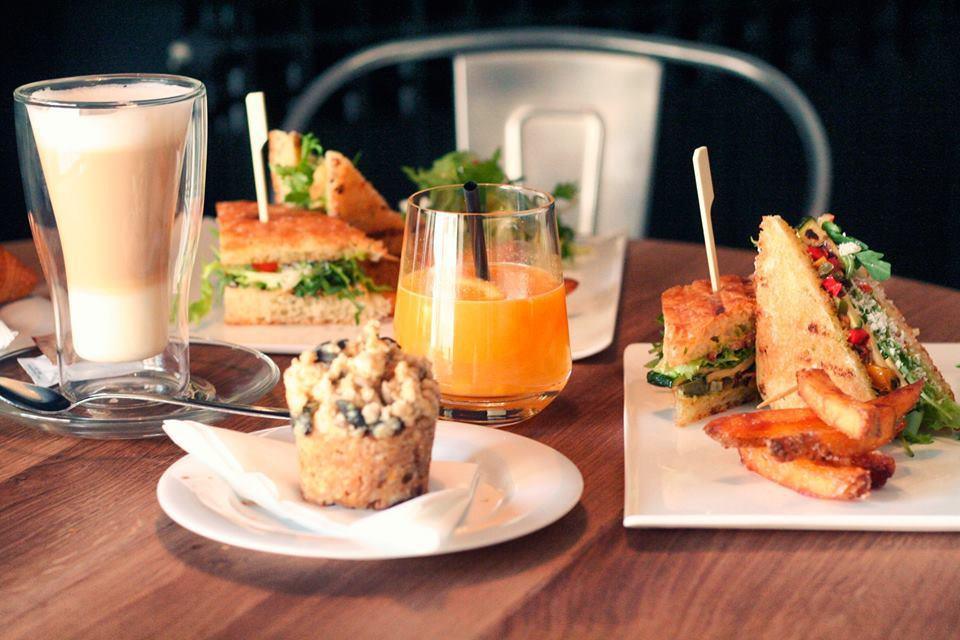 Kažu da je doručak najvažniji obrok kojem treba posvetiti jako puno pažnje. A ovako izgleda doručak koji nudi Louie Cafe and Kitchen Foto: Louie Cafe and Kitchen Facebook