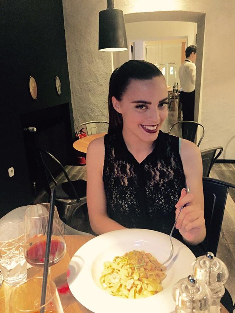 Louie Cafe & Kitchen Irena Jakičić uživa u pašti s kozicama Foto: Kristina Uvodić, Flash.hr