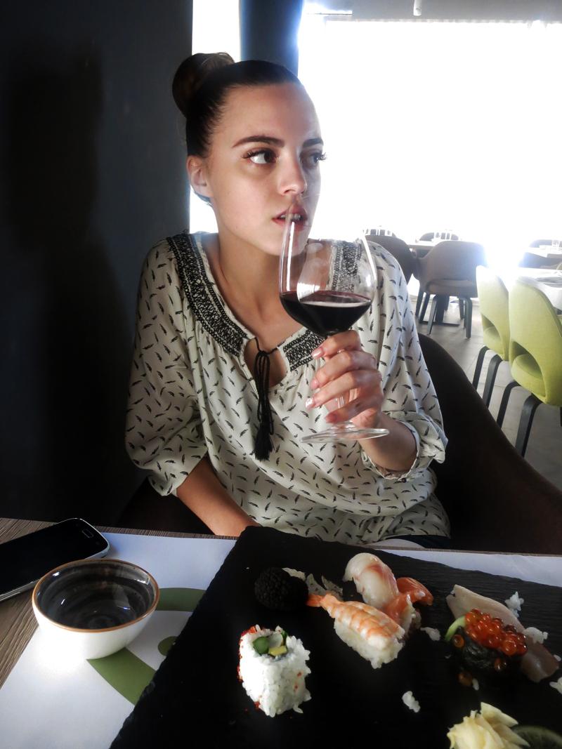 TAKENOKO Irena kao da se pita nakon treće čaše: Da li sam ja alkoholičar ili samo volim vino? Foto: Josip Novosel, Flash.hr