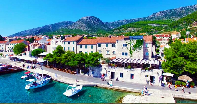 Hotel Kaštil in Bol at the island of Brač; Source: Hotel Kaštil web