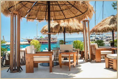 Varadero cocktail bar Bol, otok Brač Izvor: Hotel Kaštil web