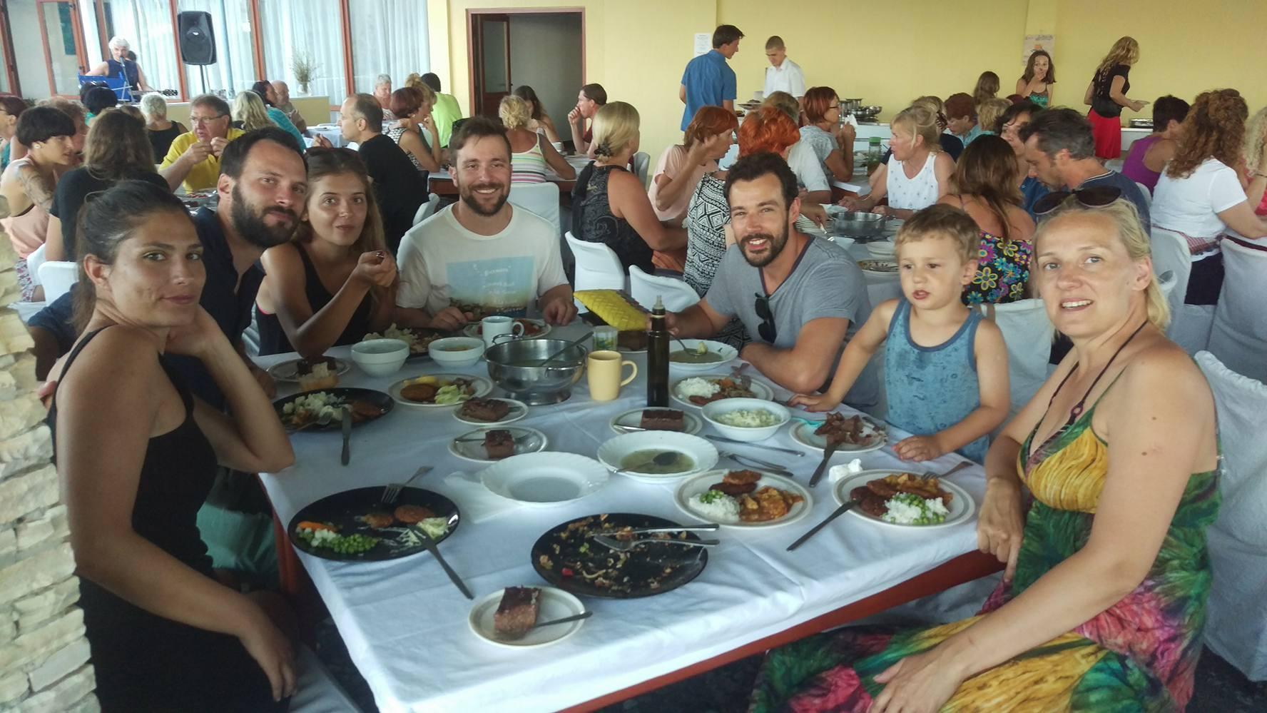 Ekipa na večeri u hotelu Korinjak Foto: Josip Novosel, Flash.hr
