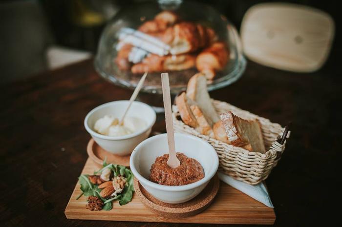 Vetro bar&bites - Tatarski biftek Izvor: Facebook Vetro bar&bites