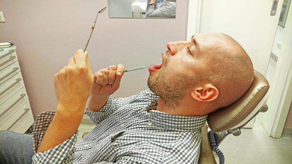 Esthetic Dental Centar Ne radite preko HZZO-a? Pročakčat ću si ja zube onda sam. Foto: Flash.hr