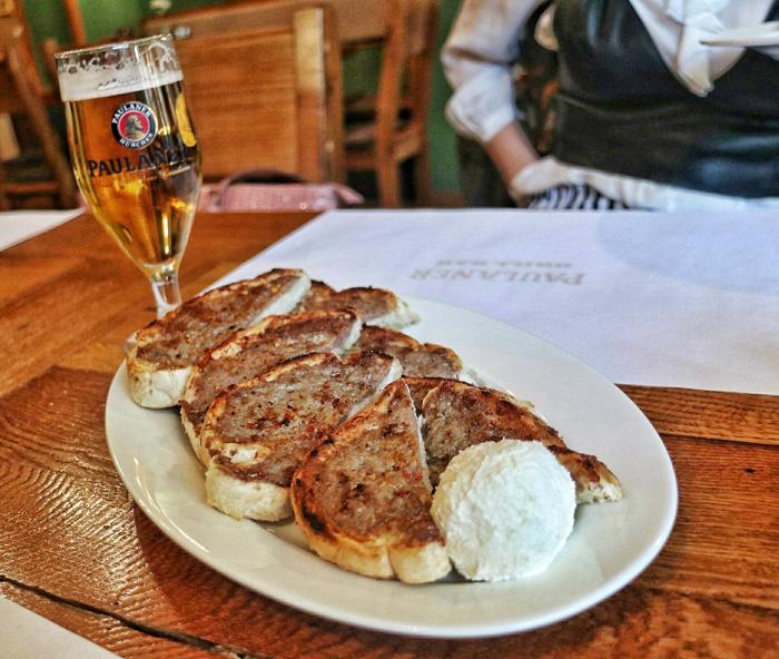 Paulaner Grill Bar Mazalice s kajmakom Foto: Josip Novosel, Flash.hr